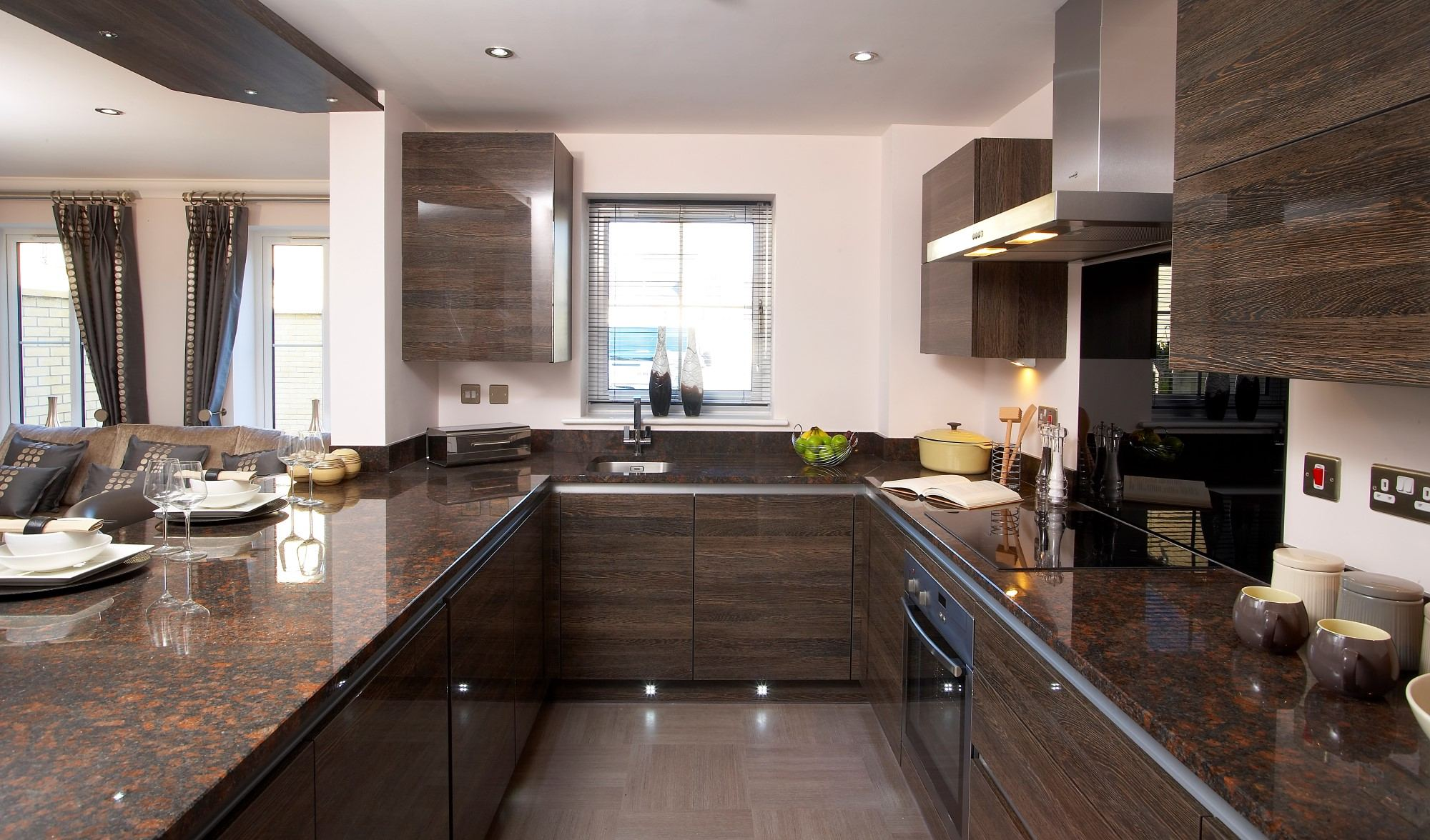 A Perfect Home Makeover - Get Large Kitchen Islands Online
