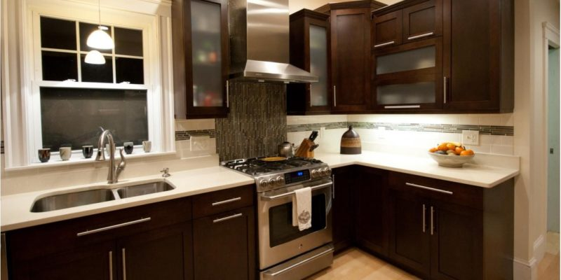 Choosing Island or Peninsulas For Your Kitchens